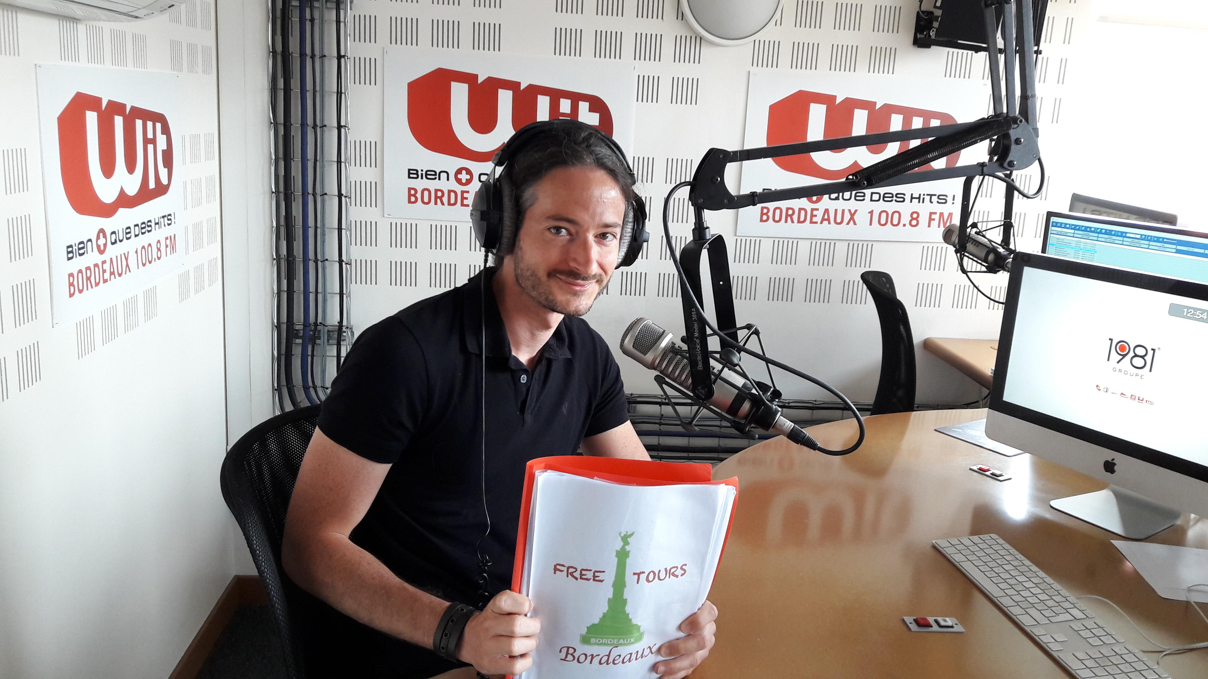 Photo of an interview - Wit FM - Bordeaux